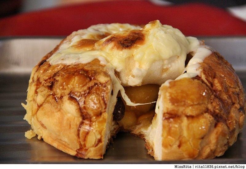 台中一中街好吃 一中麵包彈 義麵焗烤法國球 一中街美食25