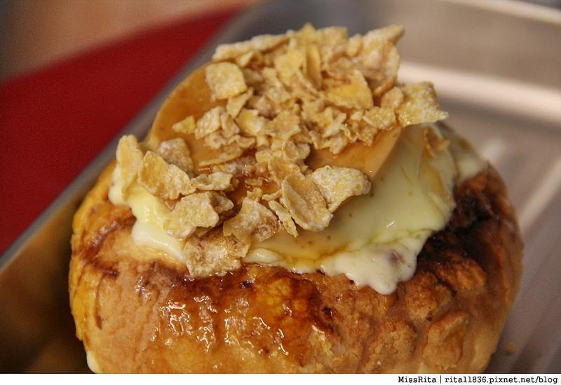 台中一中街好吃 一中麵包彈 義麵焗烤法國球 一中街美食29