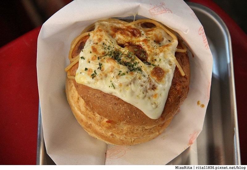 台中一中街好吃 一中麵包彈 義麵焗烤法國球 一中街美食20
