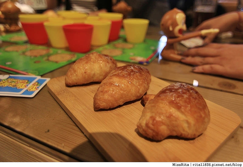 一粒麥子 台中桌遊 台中耶誕聚 台中桌遊店 一粒麥子桌遊 工業風 Dooopo 都品家居3